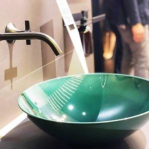 Alape a Dornbracht vystavují v Miláně