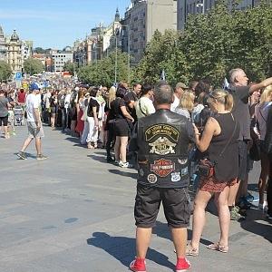Václavské náměstí plné motorových fanoušků