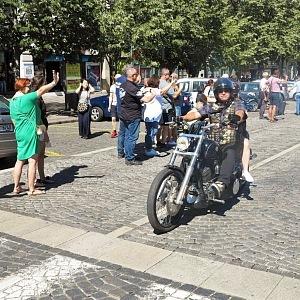 Motorkáři na Václavském náměstí
