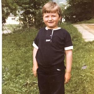 Už jako malý se pletl rád babičkám v kuchyni