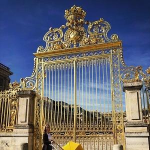 Vstupní brána do zámku Versailles