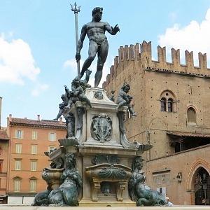 Neptunova fontána, Boloňa