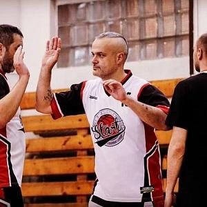 Jaro Slávik hraje basketbal několik let