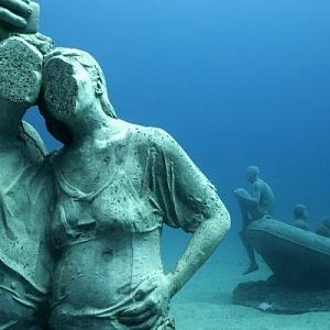 Podmořské muzeum Atlántico, pár soch