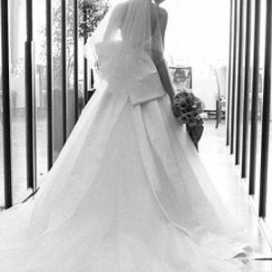 Pomohou vám s výběrem svatebních šatů.