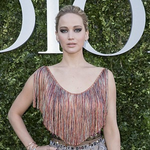 Jennifer Lawrence na výstavě Couturier du rêve.