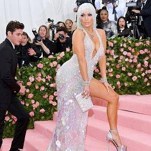Jennifer Lopez - šaty Versace