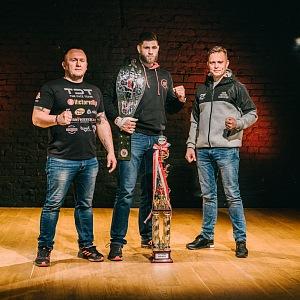 Jiří s trenéry Jaroslav Hovězákem a Martinem Karaivanem.