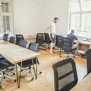 První patro - kancelářské prostory