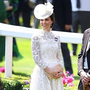 Kate na návštěvě u královny Alžběty II.