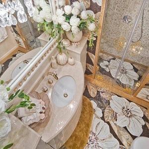 Luxusní jachta La Belle, koupelna