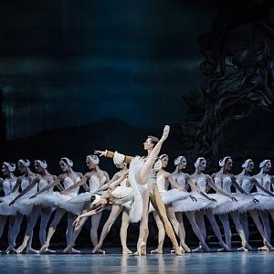 Patrik Holeček, Miho Ogimoto a soubor Baletu ND