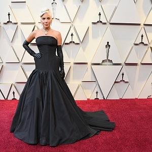 Lady Gaga - šaty Alexander McQueen