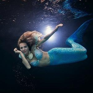 Lucie Vondráčková se nechala také nafotit jako mořská panna pro své domácí album.