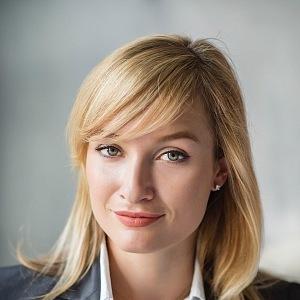 Olga Grillová je nezávislá mladá žena, která rozumí podnikání.