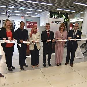 Air Arabia na pražském letišti, přestřižení pásky