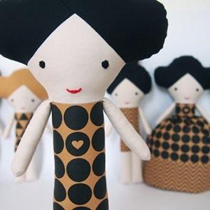 Mrs Geometric – dvojitá panenka – spím bdím