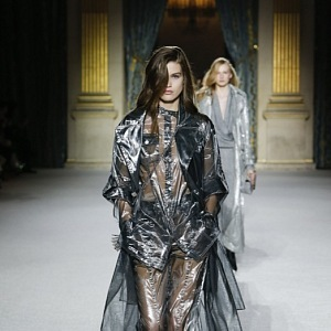 3fd706ea Balmain and its Holographic FW 18/19 Collection with its Sexy Mini ...