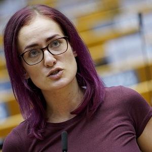 Markéra Gregorová hovoří v Evropském parlamentu.