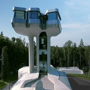 Nádherná stavba v ruském lese