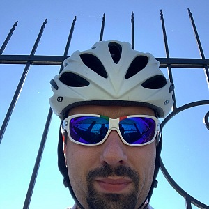 Milan Sova na kole.