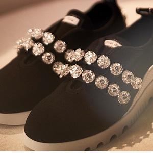 Značka Miu Miu vytvořila i sneakers!