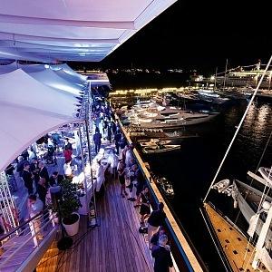 V Monacu na jachtě