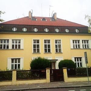Rezidence malíře Alfonse Muchy, autor architekt Hypšman