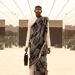 Muž na přehlídce Louis Vuitton FW2021
