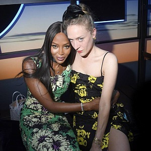 Naomi Campble and Chloë Sevigny