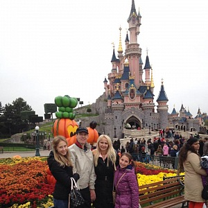 Natálka s celou rodinou, foto z roku 2014.