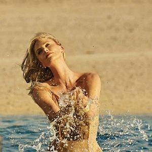 Z nové kampaně Dior J´adore