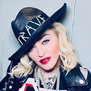 Madonna a její outfit z koncertu Madame