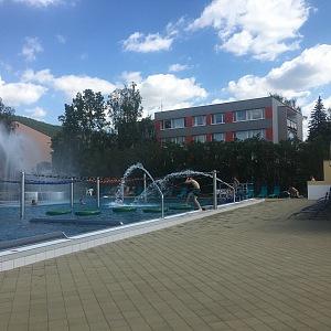 Vedle plavecké části je takzvaná hrací zóna.
