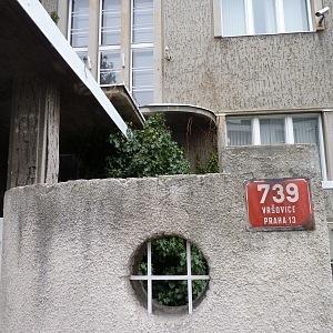 Vchod do vily