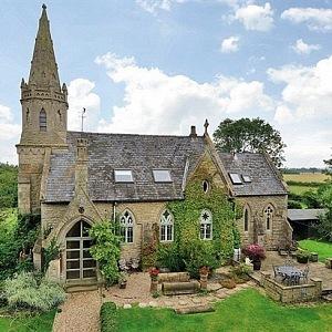 Bývalý kostel v Anglii