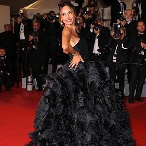 Patricia Gloria - šaty Nicole + Felicia
