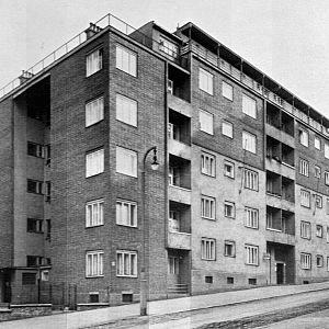 Blok nájemných bytů na Žižkově