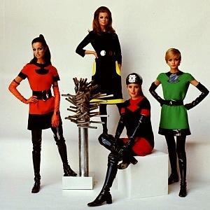 Vesmírná móda Pierre Cardin
