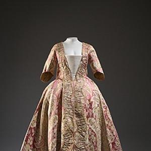 Šaty z 18. století