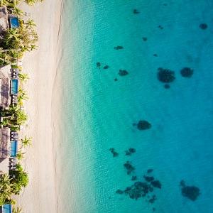 Pláž na ostrově Komo