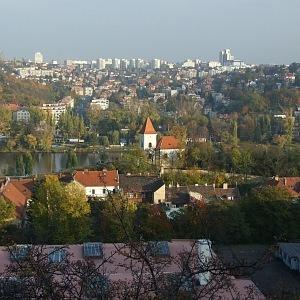 Radlice pohled na Zlíchovský kostel