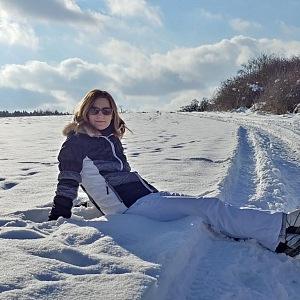 Primátorka na sněhu.