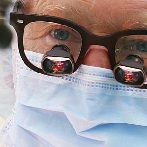 Nejslavnější český kardiochirurg zasvětil medicíně celý život.