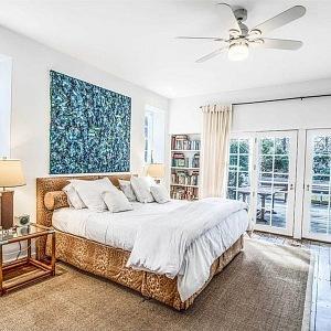 Ložnice slavné herečky Drew Barrymore