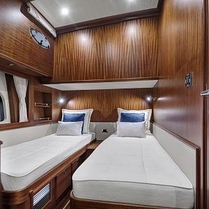 Kajuta s oddělenými postelemi