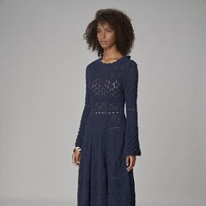 Tmavě modré midi šaty s dlouhými rukávy
