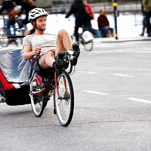Za lehokolo můžete připevnit i vozík