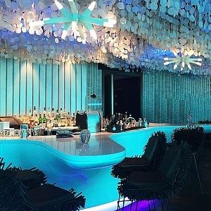 Bar pod mořem Subsix, Maledivy, interiér