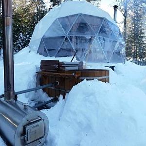 Dream Dome v Ridgeback Lodge, Kanada